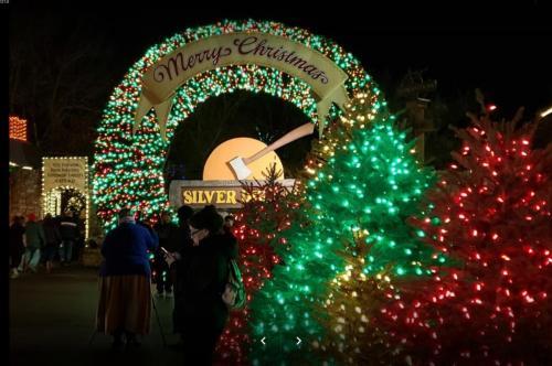 Silver Dollaar City Christmas